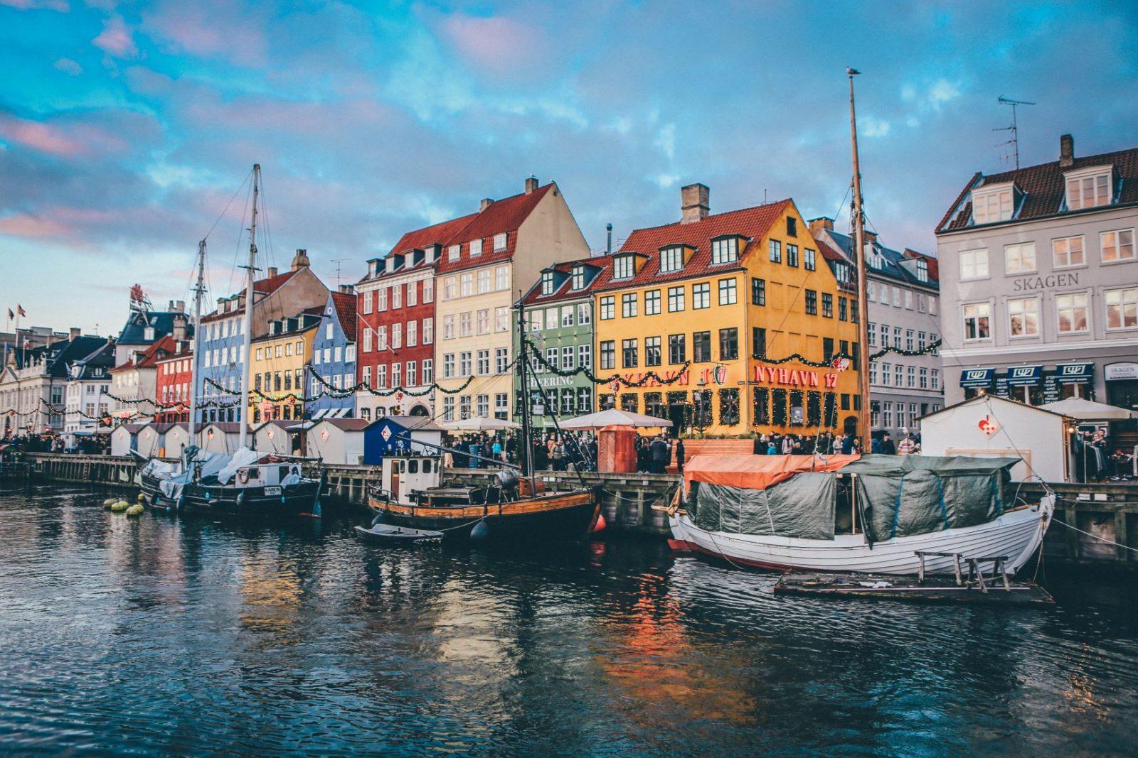 Talot veden äärellä Köpenhaminasa